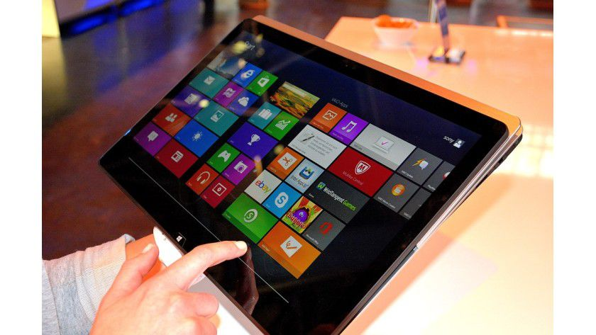 Flexibel: Der Sony Vaio SV F15N1 Z2EB ist ein typischer Klapp-Convertible, der sich je nach Bedarf als Tablet oder als Laptop nutzen lässt.