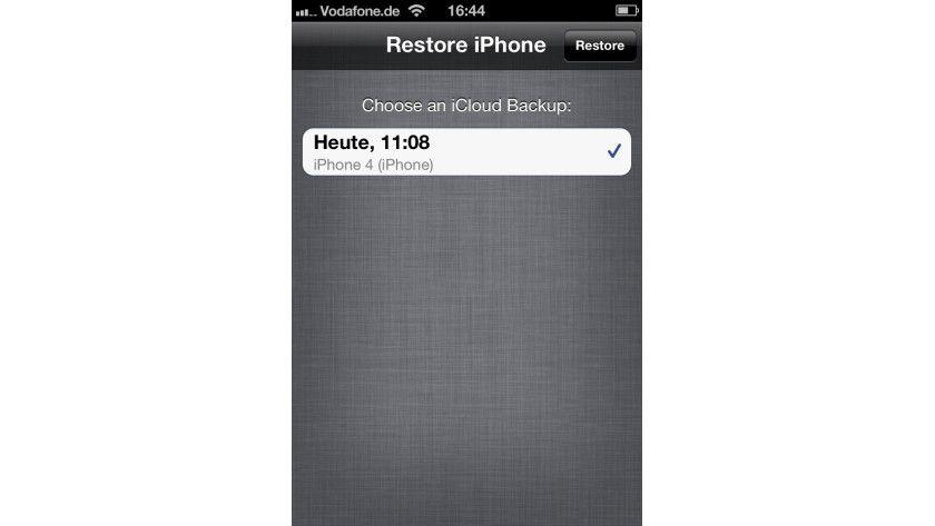 iCloud Backup: Wurde bereits ein Backup in Apples iCloud angelegt, so lässt sich ein neu aufgesetztes Gerät damit wiederherstellen.