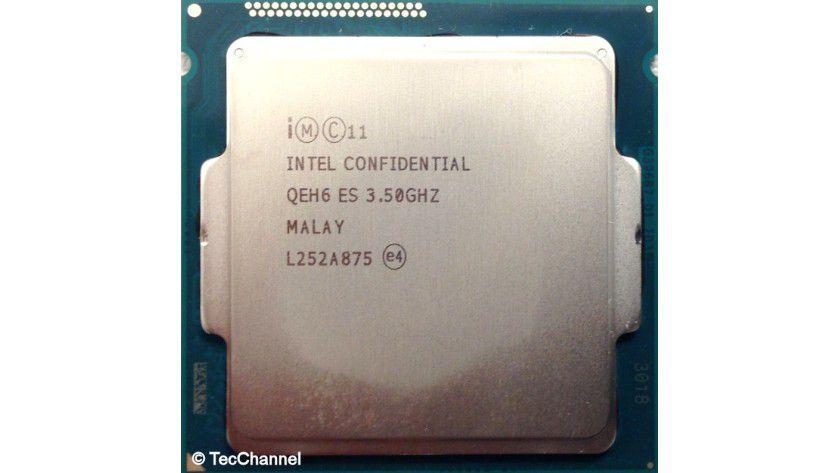Core i7-4770K: Der Quad-Core-Prozessor mit Haswell-Architektur arbeitet mit 3,5 GHz Basistaktfrequenz, per Turbo sind maximal 3,9 GHz möglich. Neben 8 MByte L3-Cache ist auch die integrierte Grafik-Engine HD 4600 auf dem 22-nm-Die integriert.