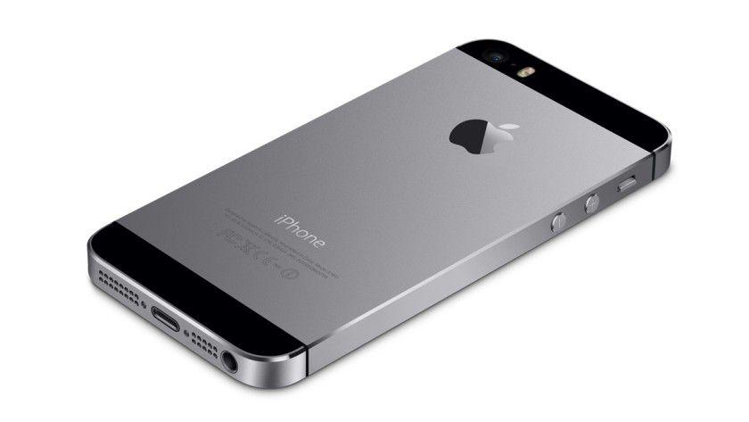 Handshake: Zubehör per Lightning, WiFi oder Bluetooth authentifiziert sich per Chip und fragt bestimmte Rechte beim iPhone an.