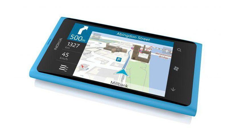 Das Display des Lumia 800 hat eine Diagonale von 3,7 Zoll.