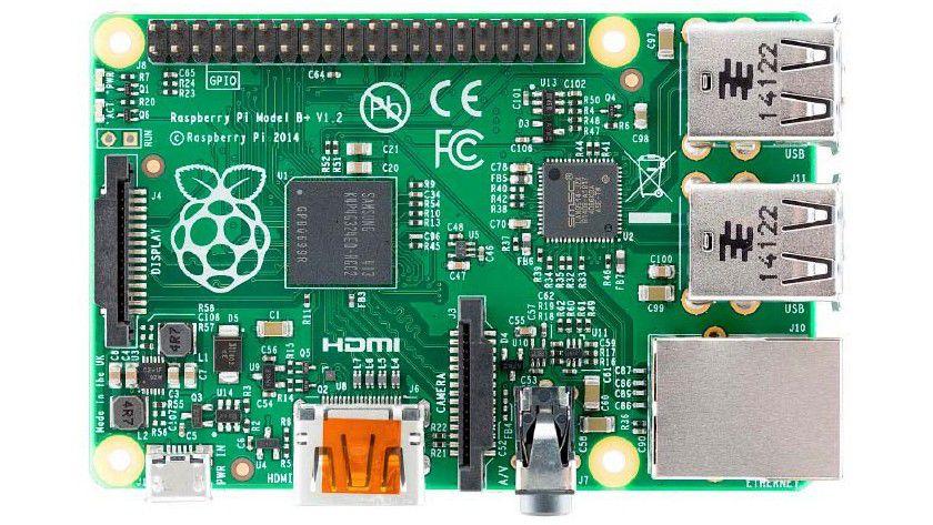 Raspberry Pi Modell B+: Das aktuelle Spitzenmodell besitzt vier USB-Anschlüsse, einen Micro-SD-Einschub sowie einen HDMI-Ausgang.