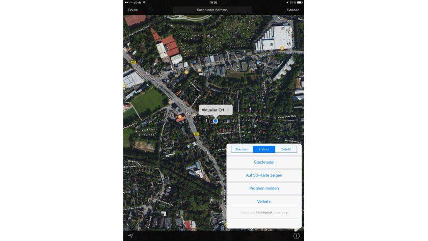 Die Hybridansicht vereint Satellitenbilder und Karte, das erleichtert die Orientierung.