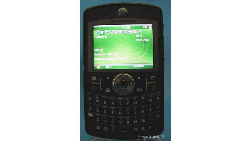Edles Plastik: Das Q9 von Motorola verzichtet auf Metallapplikationen, macht aber dennoch einen stabilen und hochwertigen Eindruck.