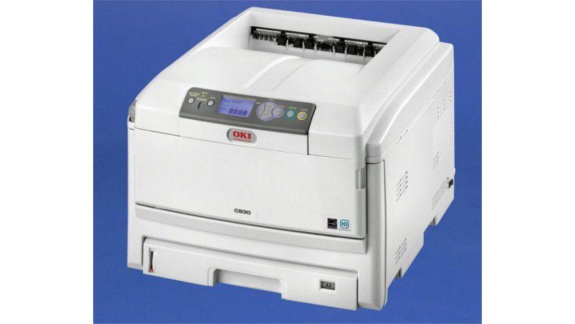 OKI C830dn: Das LED-Druckwerk soll bis zu 30 Seiten in Farbe pro Minute produzieren.
