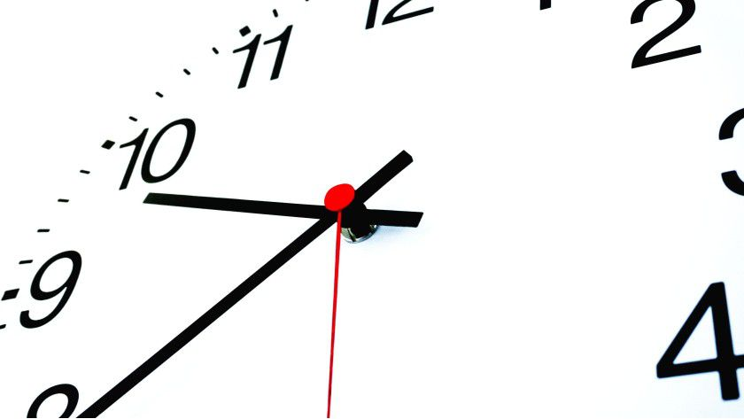 Unternehmen sollten möglichst schon in den Arbeitsvertrag eine Überstundenklausel aufnehmen.